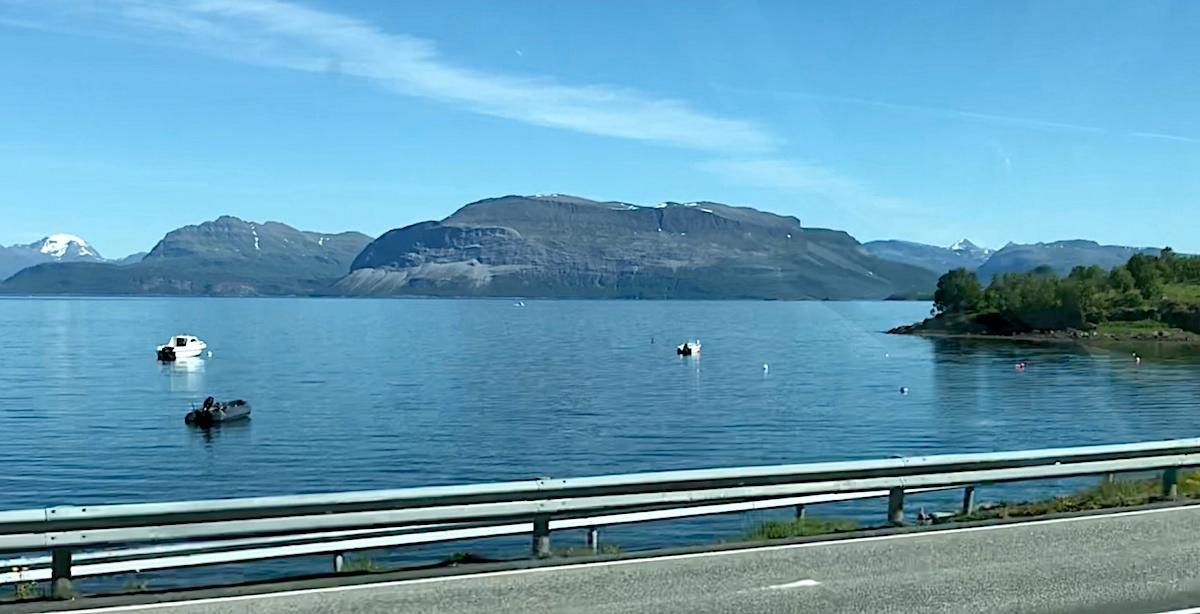 a5ef40dc Fra Harstad til Lofoten med bobil for å oppleve midnattsola