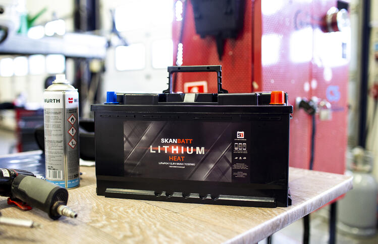 Hos Ferda får du kjøpt og montert lithium batteri