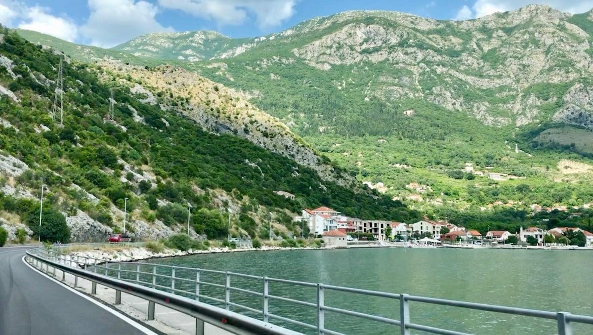 Montenegro 54