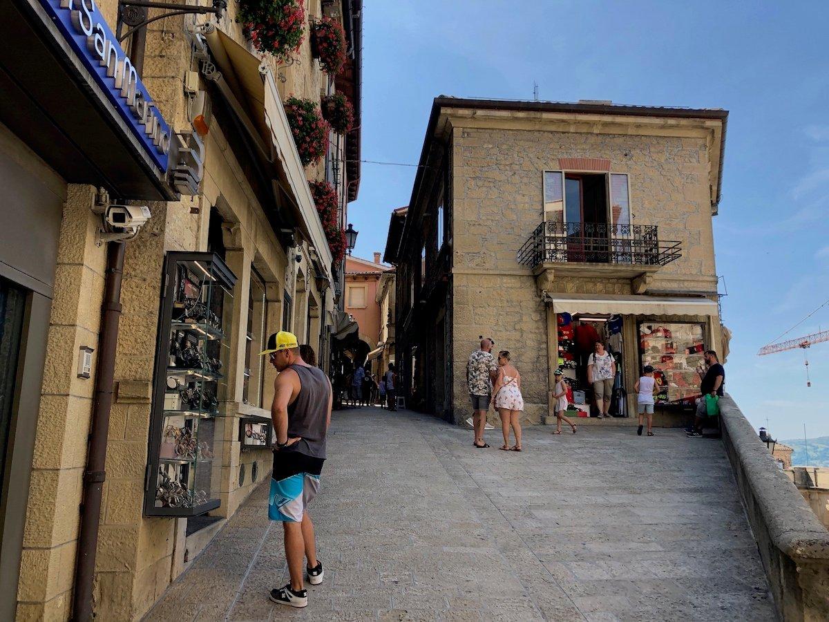 San Marino 16