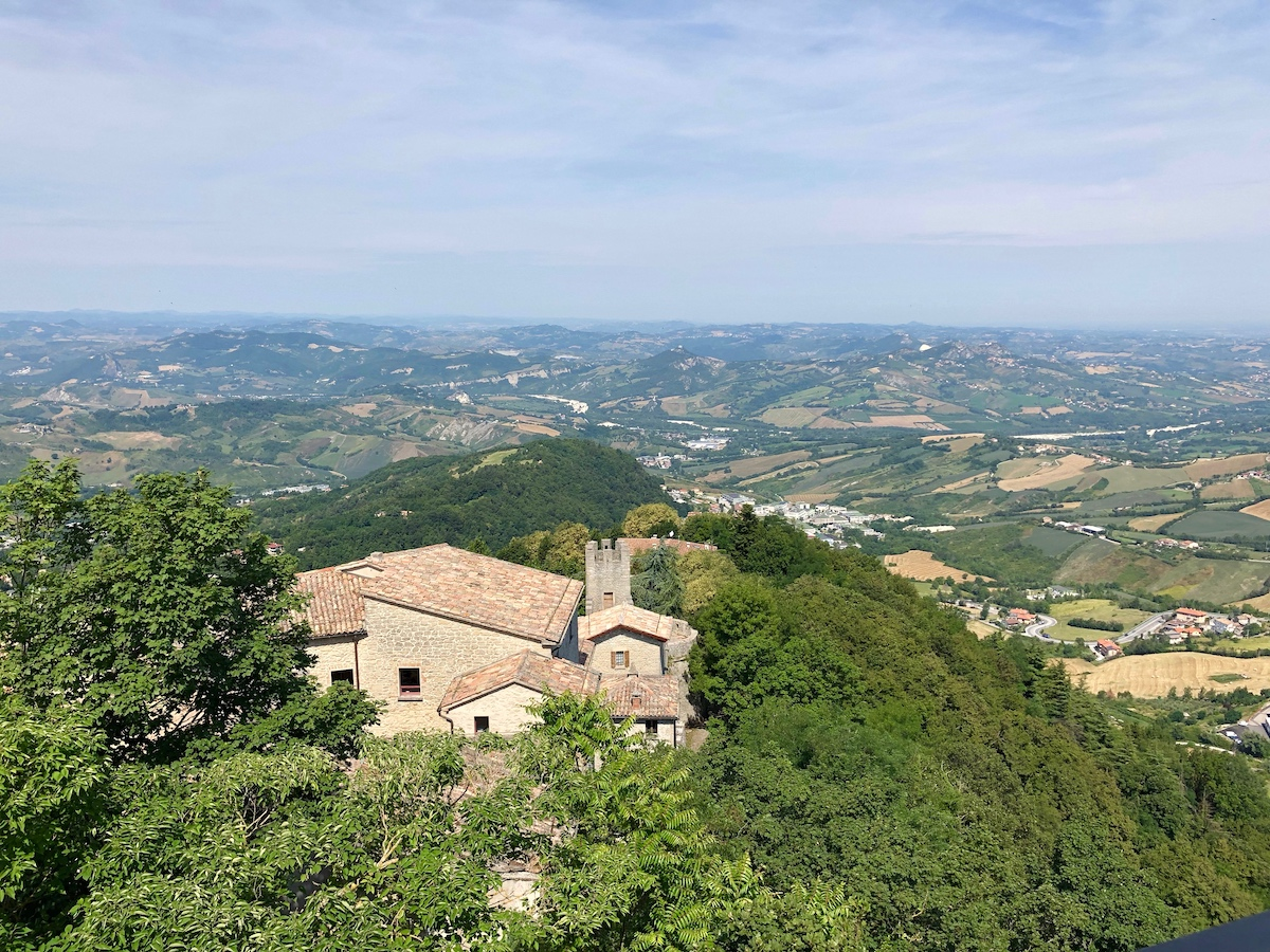 San Marino 22