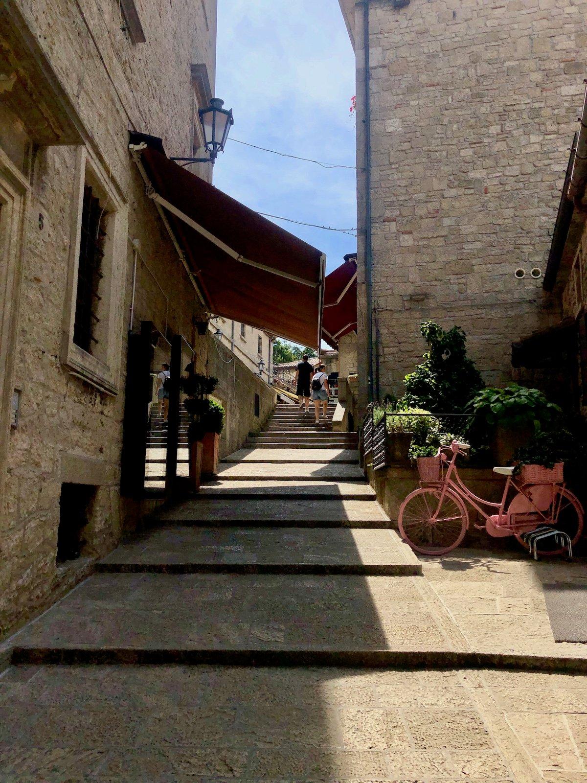 San Marino 29