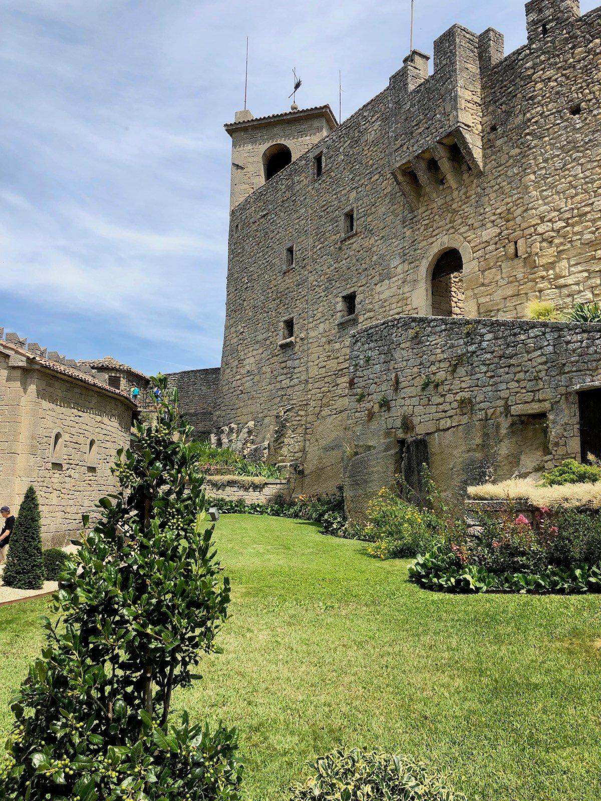 San Marino 48