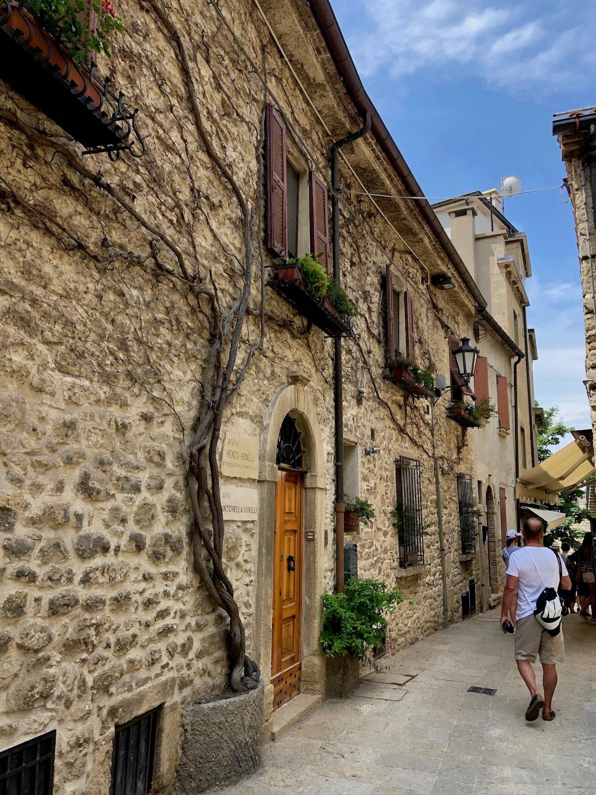 San Marino 62