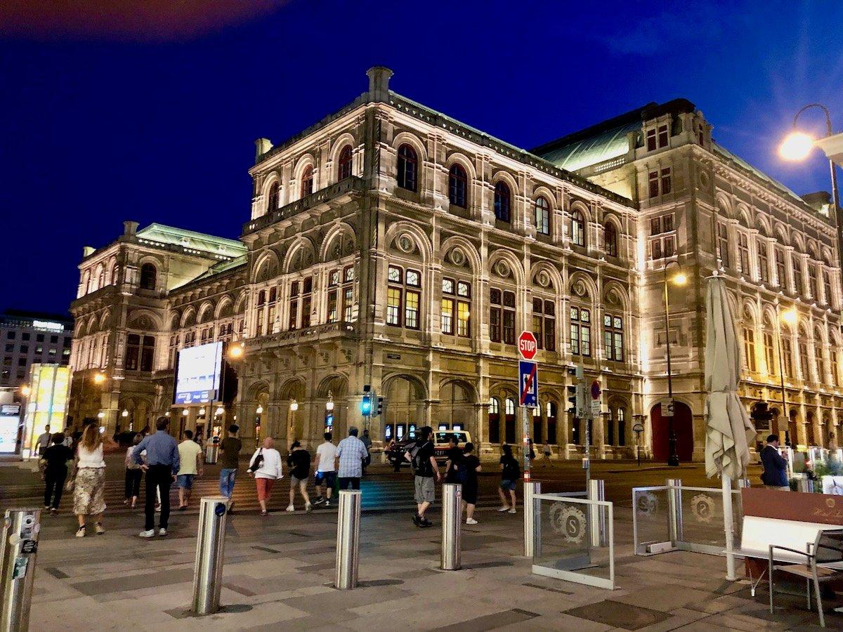 Wien 83