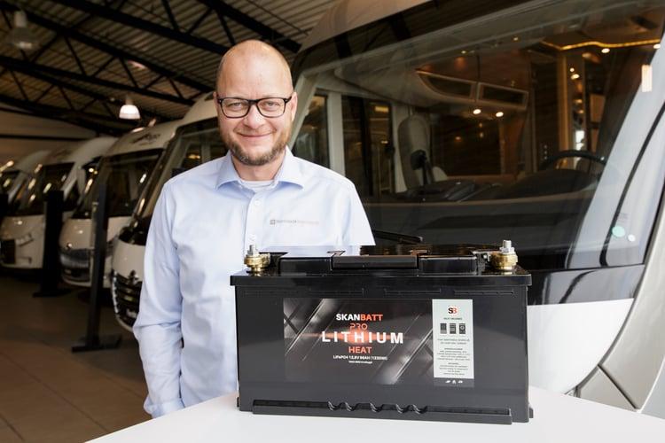 Øyvind Raaen fra Skandinavisk Batteriimport på besøk hos Ferda
