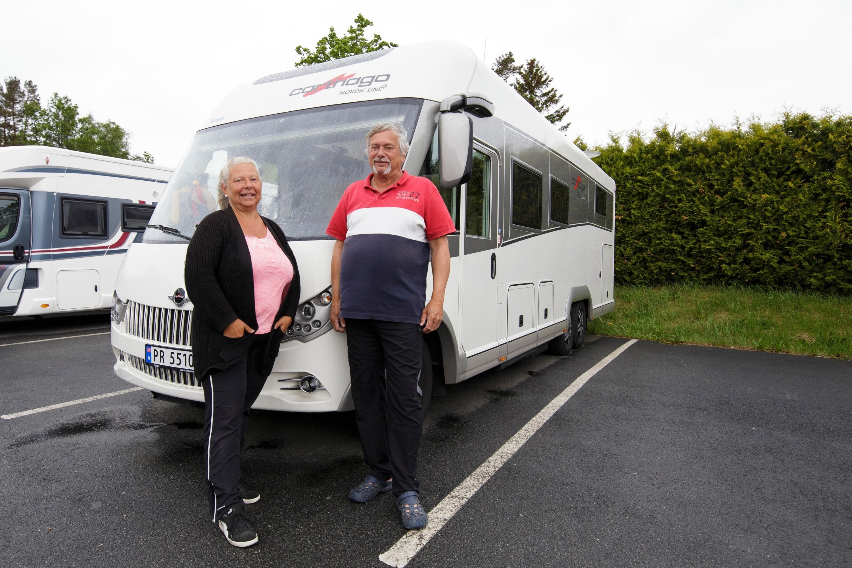 Paret kvittet seg med hytta, bilen og huset. Nå lever de ut drømmen!
