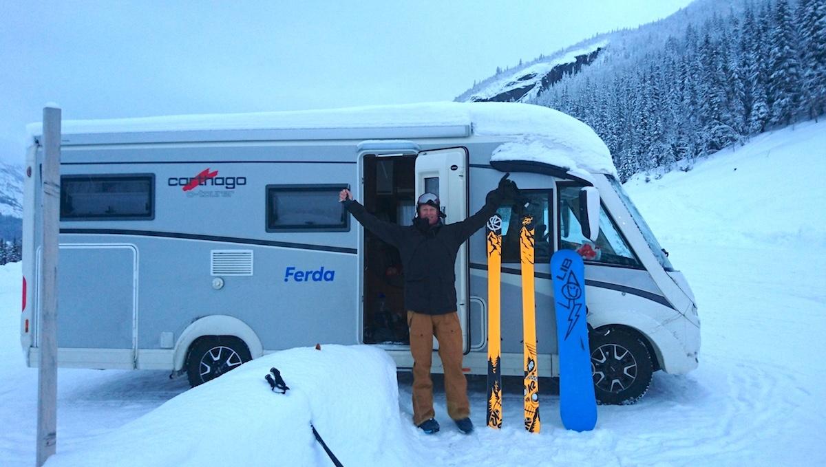 «Ski in/ski out» får en helt ny betydning med bobil!