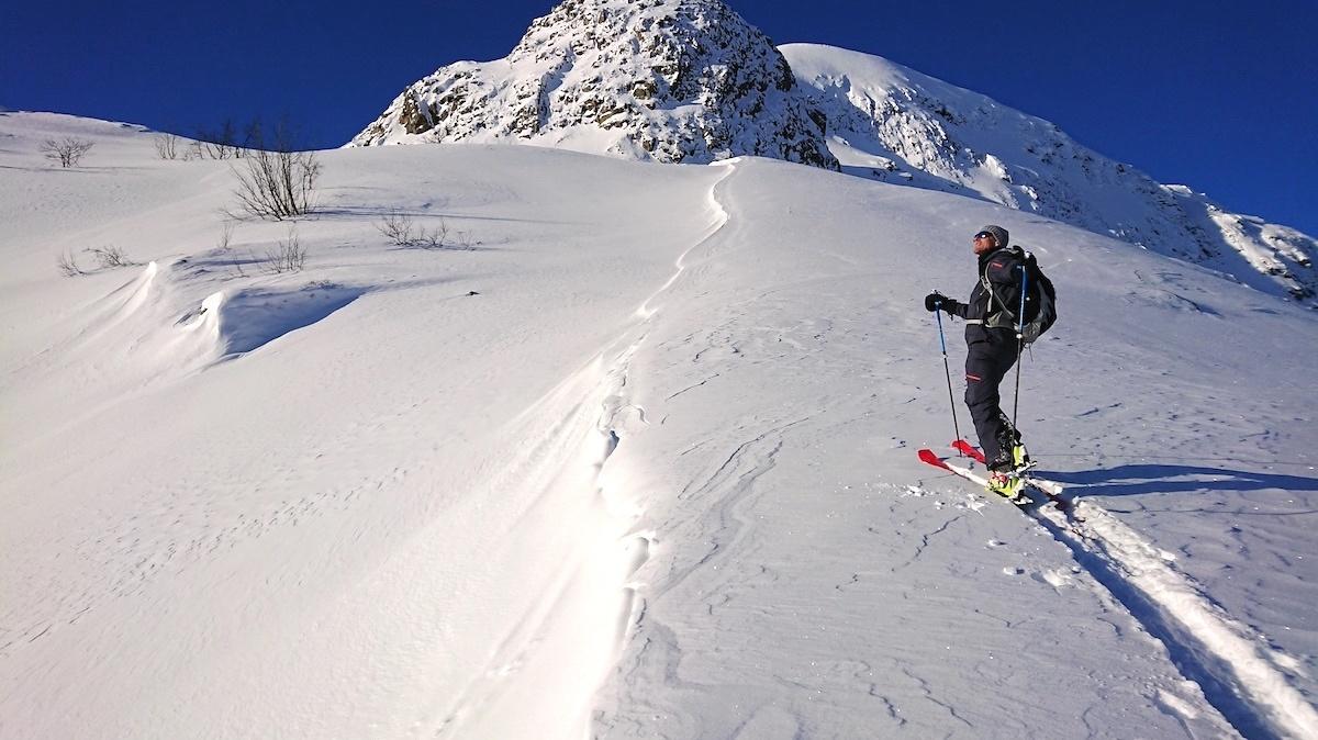 Toppturer med ski- og snøbrettparadiset rett utenfor bobildøra