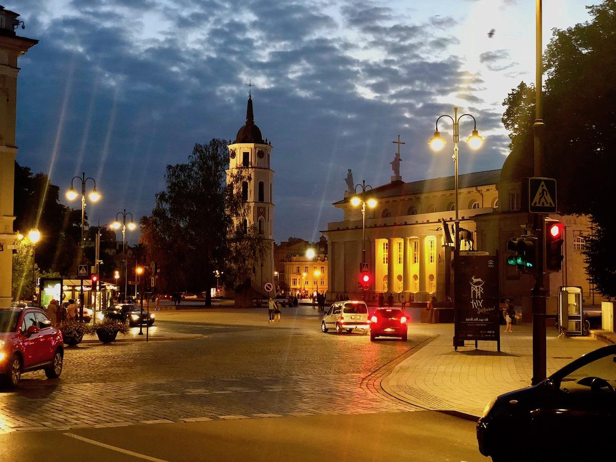 Tenk deg å bo omtrent midt i hjertet av en vakker middelalderby som Vilnius. I bobil!